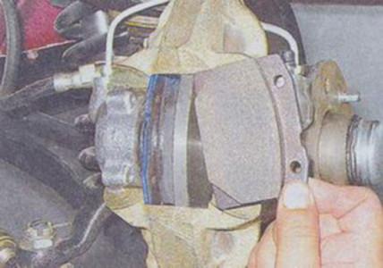 Снятие и замена передних тормозных колодок на ВАЗ 2101, 2102, 2103, 2104, 2105, 2106, 2107