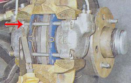 Вынимаем шплинты из направляющих на ВАЗ 2101, 2102, 2103, 2104, 2105, 2106, 2107