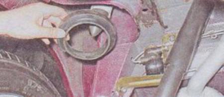 Снимаем прокладки задней пружины на ВАЗ 2101, 2102, 2103, 2104, 2105, 2106, 2107