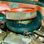 Снятие и замена воздушного фильтра на ВАЗ 2108, 2109, 21099