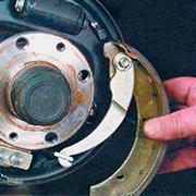 Снятие и замена задних тормозных колодок на ВАЗ 2108, 2109, 21099