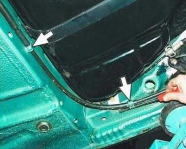 Снимаем трос ручного тормоза на ВАЗ 2110, 2111, 2112