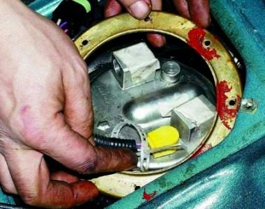 Снимаем прижимное кольцо на ВАЗ 2110, 2111 2112