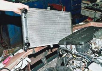 Снимаем радиатор охлаждения на ВАЗ 2110, 2111, 2112